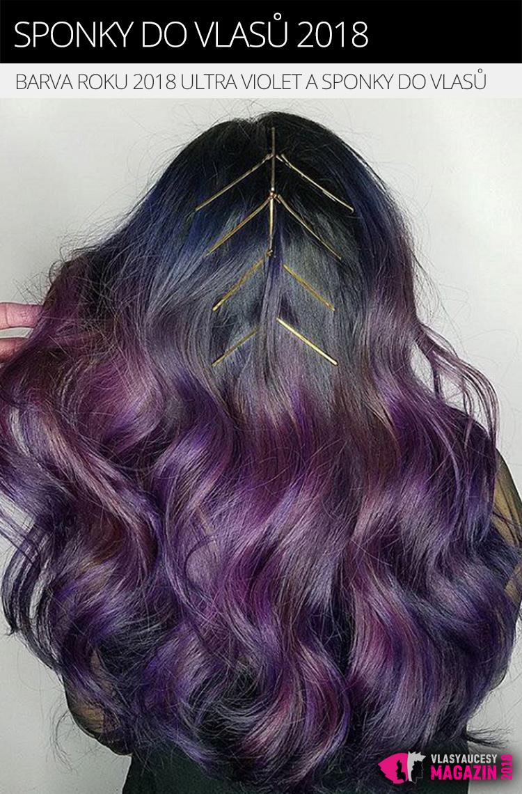 Vlasy v barvě roku 2018 Ultra violet dozdobené zlatými sponkami do vlasů.