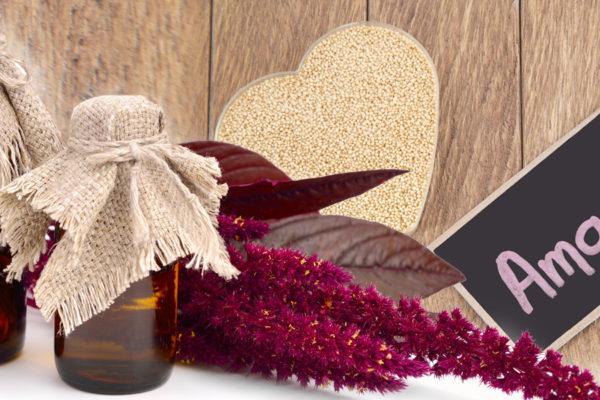 Hledáte účinný prostředek, který zabrání lámání vlasů, ale i jejich předčasnému šedivění? Zkuste amarantový olej pro vlasy.