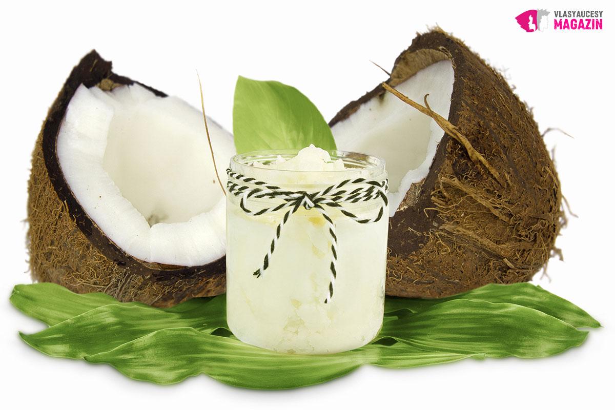 Kokosový olej je skvělou výživou pro vlasy i vlasovou pokožku.